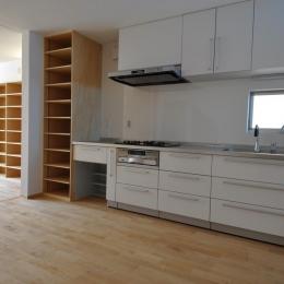 家事室を持つ家 (キッチン)