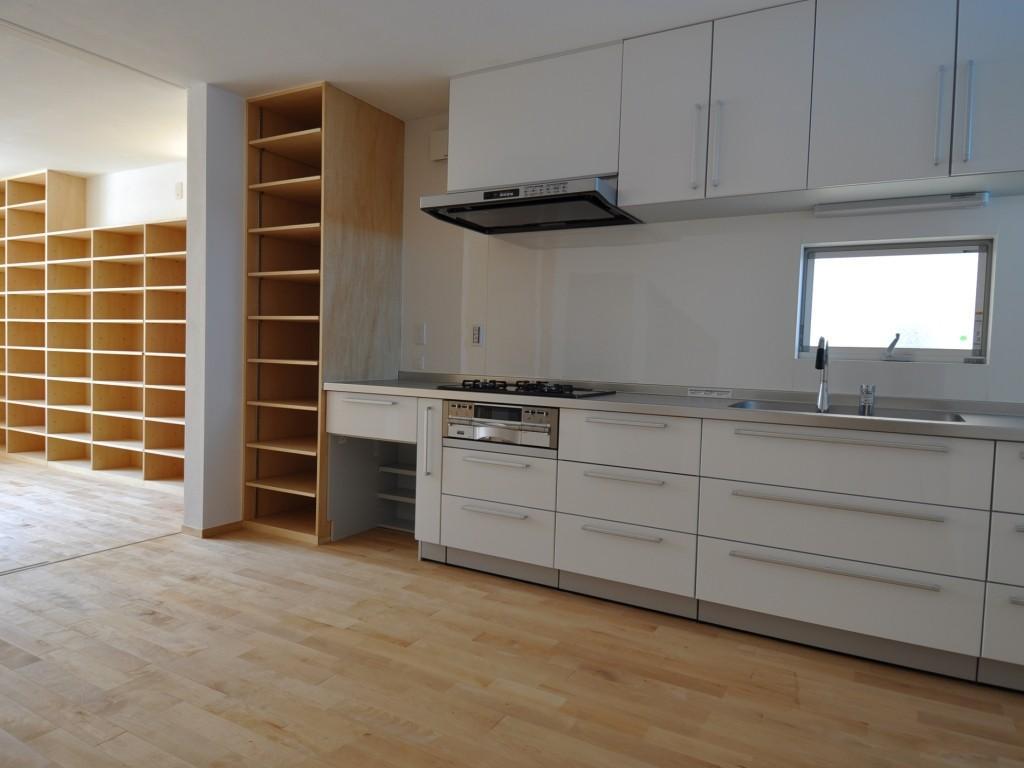 家事室を持つ家の部屋 キッチン