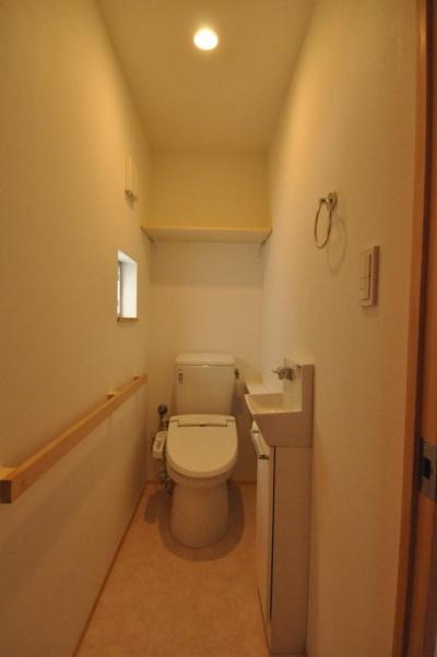 トイレ (バリアフリー3世帯住居)