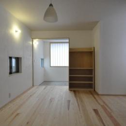 玄関土間の家(リフォーム) (リビングと製作TV棚)