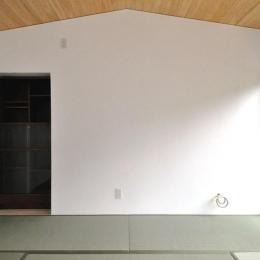 船底天井の家(リフォーム)の写真 リビング船底天井と漆喰壁