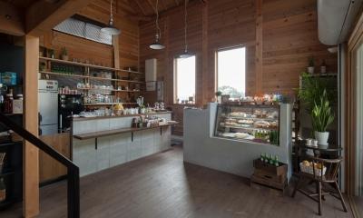 資材置き場をリノベーションしたケーキ屋さん|Hapshuu Cake & Cafe