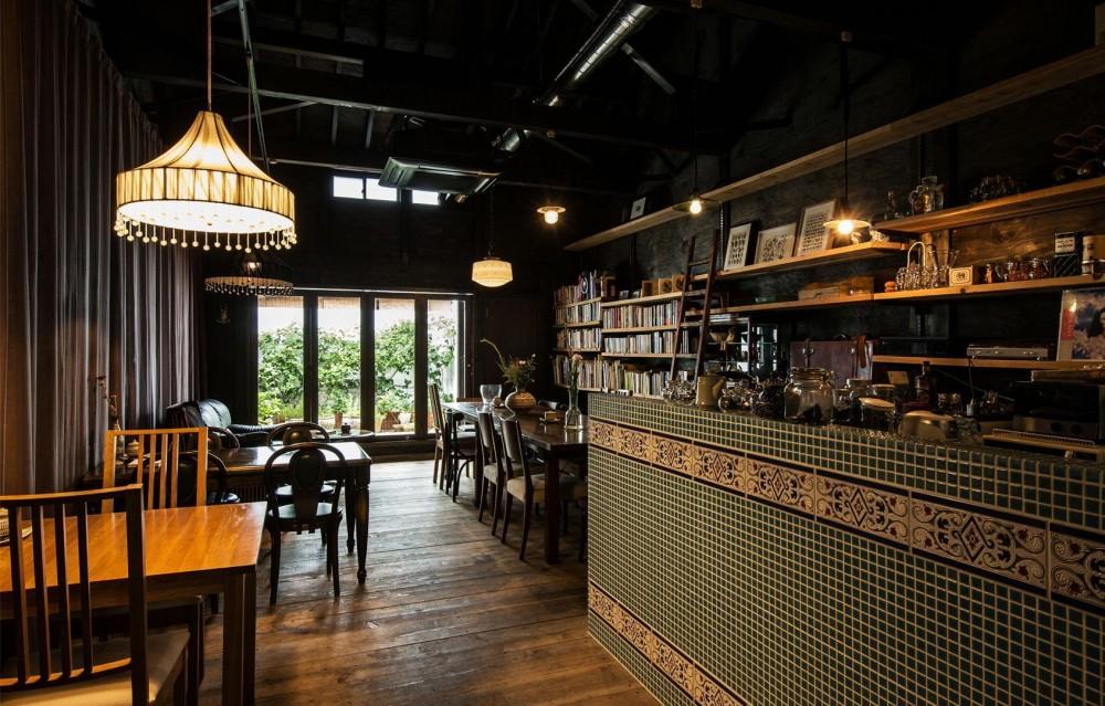 建築家:山本嘉寛「Cafe Franz Kafka」