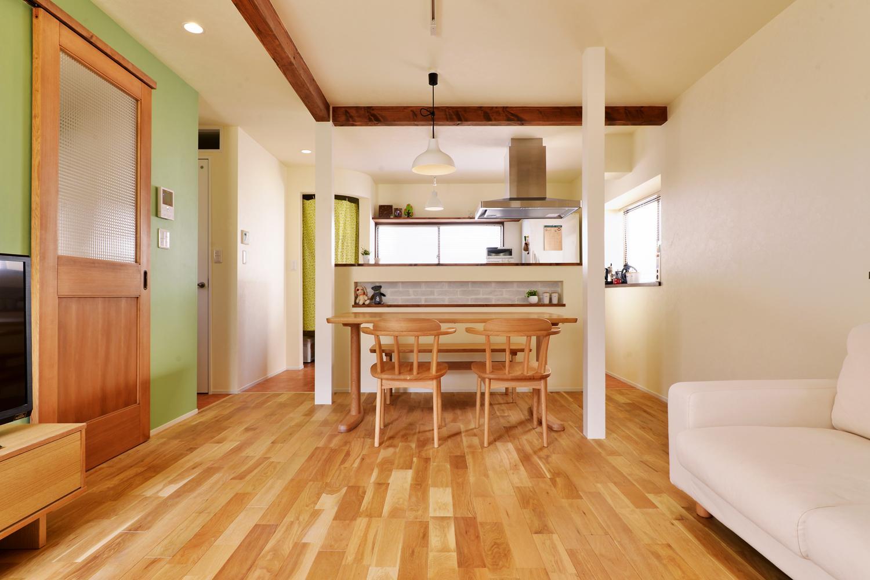 a邸・リビングをベストポジションにして、すがすがしく、片付けやすく・・・。の部屋 2階LDK(ダイニングキッチン)
