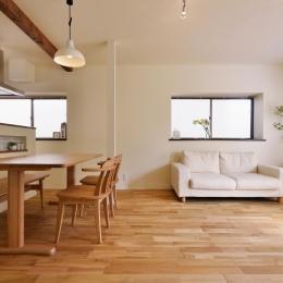 2階LDK(リビングダイニング) (a邸・リビングをベストポジションにして、すがすがしく、片付けやすく・・・。)