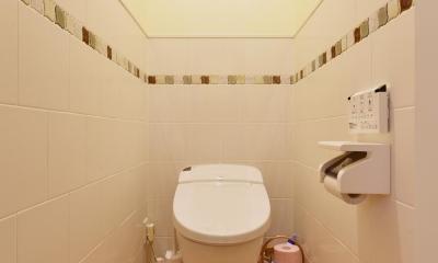 a邸・リビングをベストポジションにして、すがすがしく、片付けやすく・・・。 (2階トイレ)