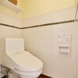 a邸・リビングをベストポジションにして、すがすがしく、片付けやすく・・・。 (1階 トイレ)