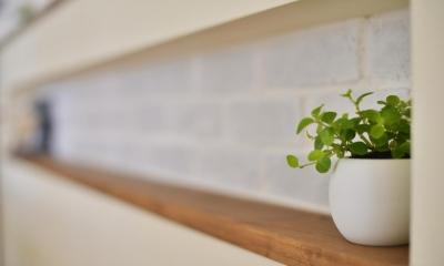 キッチンカウンター部分のニッチ|a邸・リビングをベストポジションにして、すがすがしく、片付けやすく・・・。