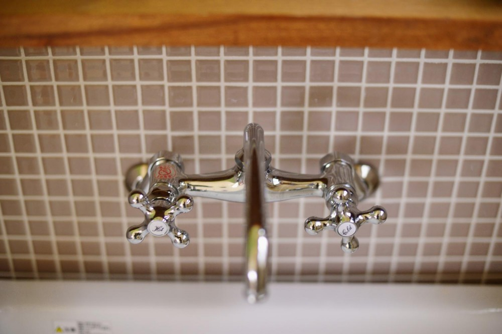 a邸・リビングをベストポジションにして、すがすがしく、片付けやすく・・・。 (2階 洗面スペース(水栓))