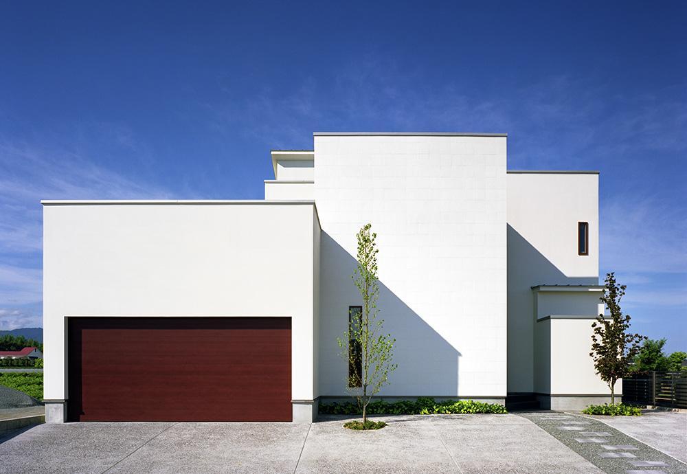 小川町の家の部屋 プライバシーを確保しながらも開放的な外観