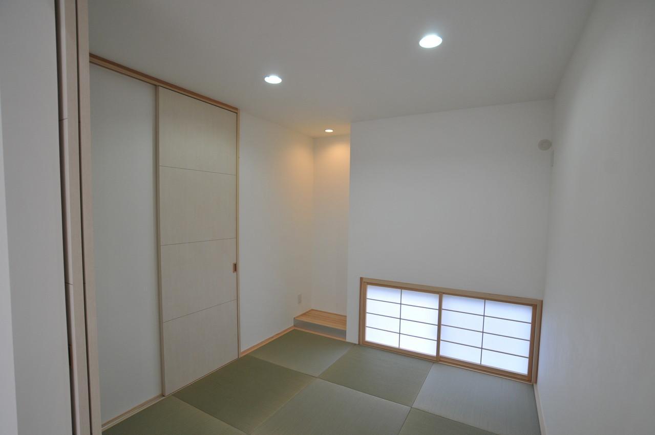 志布志市S邸の写真 地窓のある和室