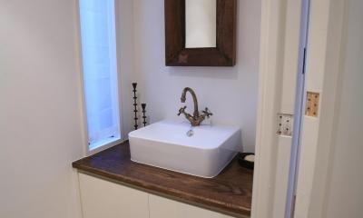 O邸 (トイレ手洗いスペース)