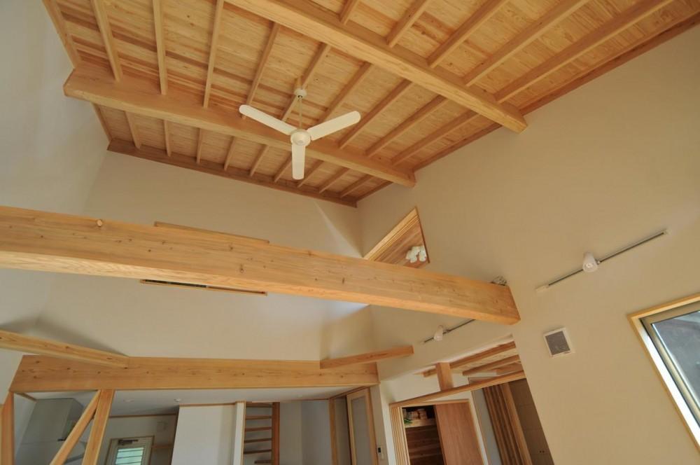 霧島市牧園町 H邸 (木の質感を感じれる天井とシーリングファン)
