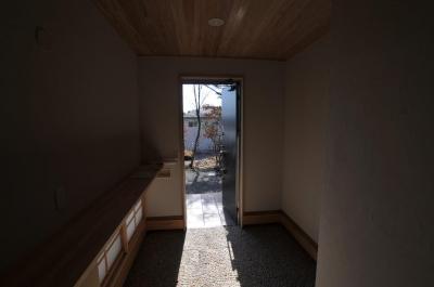 木製カウンター付き和風玄関 (霧島市牧園町 H邸)