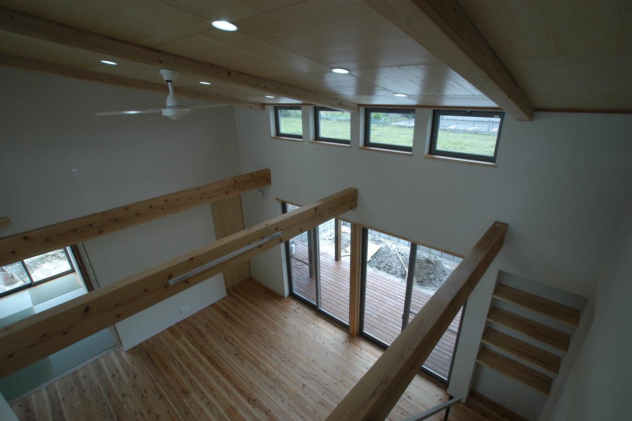 宮崎市K邸の部屋 2階からリビングを見下ろす
