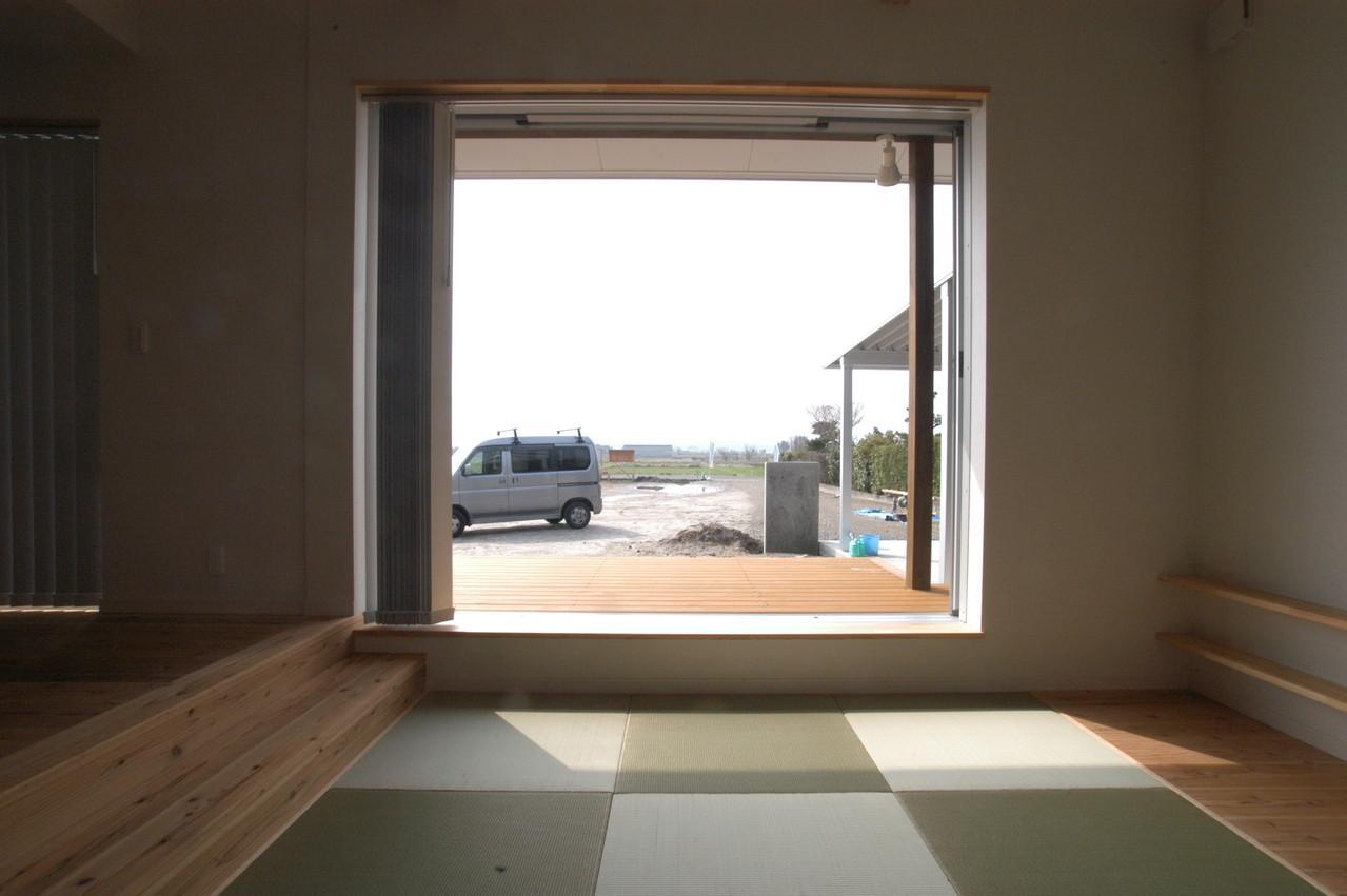 北諸県郡三股町 F邸の部屋 テラスに続く畳コーナー