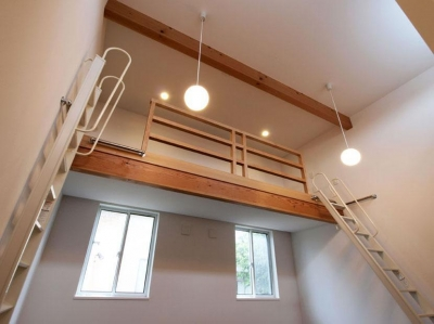 ロフトのある子供室 (HOUSE SD 『木板塀の家』)
