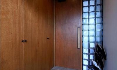 玄関|shabby modern 「ブリックタイルと格子」