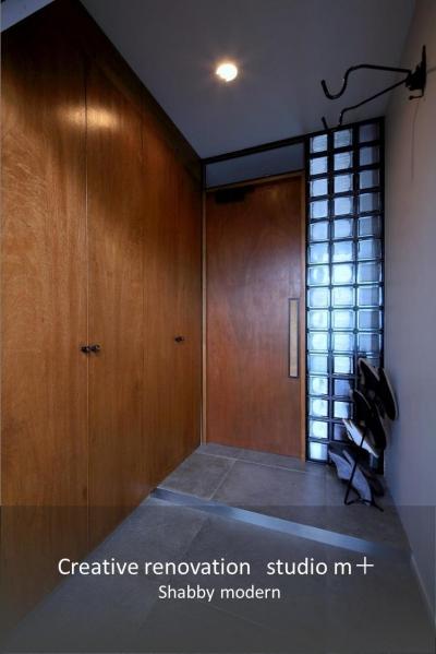 玄関 (shabby modern 「ブリックタイルと格子」)