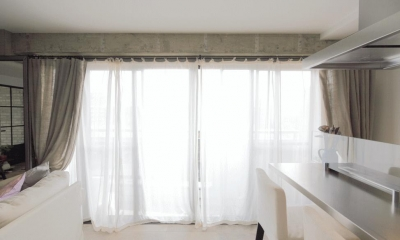 shabby modern 「ブリックタイルと格子」 (光と風を効果的に取り込むカーテン)