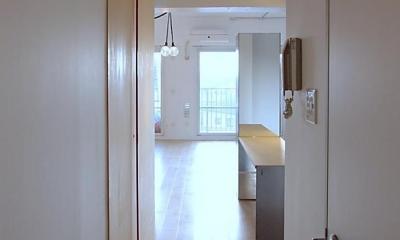 Smallhouse01 「狭小スペースと大収納」 (廊下)