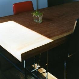 寺尾西の家 (ダイニングテーブル)