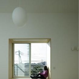 戸塚の家 (陽ざしを浴びて)