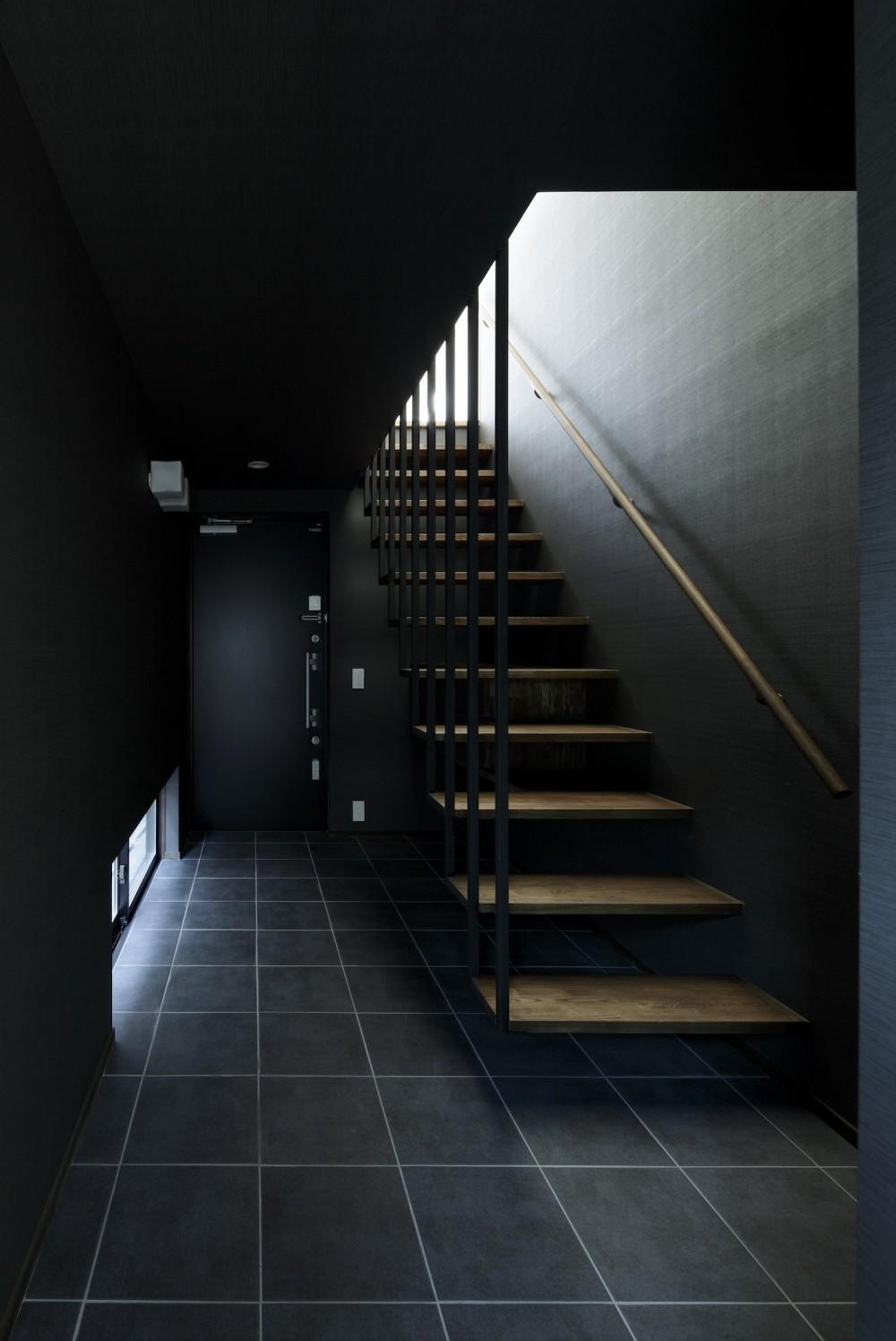 戸塚の家 (リビングに繋がるオープン型階段)