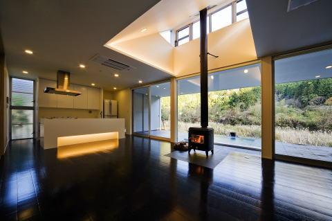 川岸の家の写真 対面型キッチンのある空間