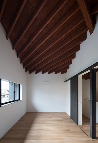 富雄北の家の写真 木を感じる空間