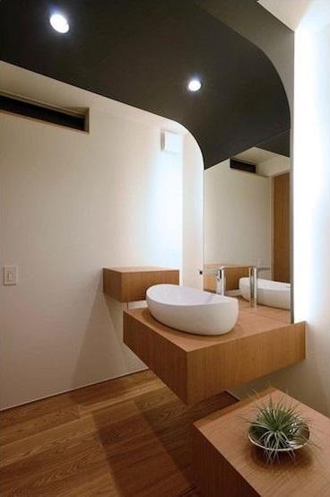 宝塚の家 (木を感じる洗面台)