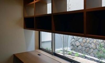 宝塚の家 (収納棚のあるスタディスペース)