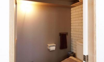 HOUSE O 『リビング階段の家』 (トイレ)