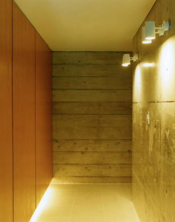 鵠沼の家の部屋 間接照明のある空間