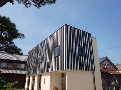 HOUSE Y 『境内に建つ家』 (外観)