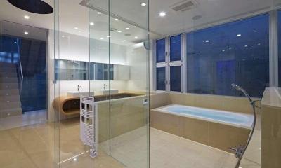 洗面・浴室夕景|浦和H邸