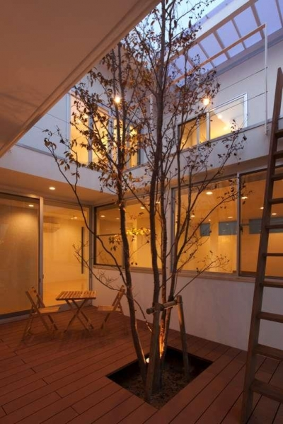 1階中庭 (松江市東奥谷建売住宅)