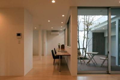 1階個室・中庭 (松江市東奥谷建売住宅)