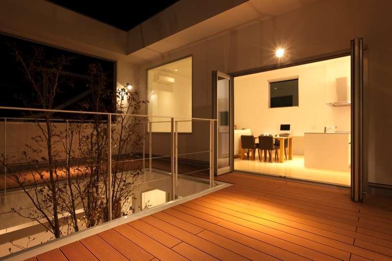 松江市東奥谷建売住宅の部屋 2階中庭夜景