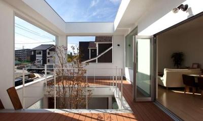 松江市東奥谷建売住宅 (2階中庭)