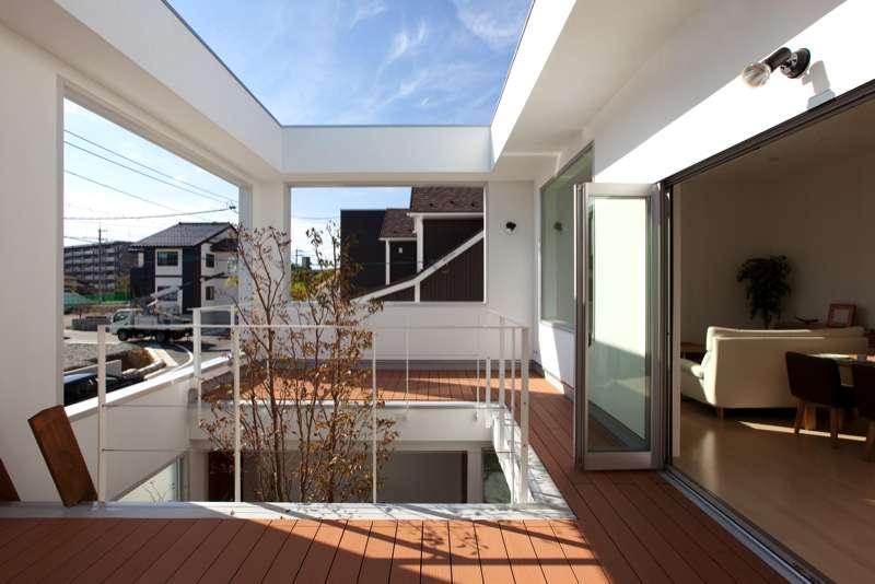 アウトドア事例:2階中庭(松江市東奥谷建売住宅)