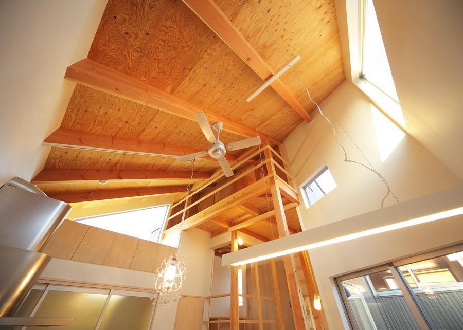 結芽の家-ゆめのいえの部屋 シーリングファンのある空間