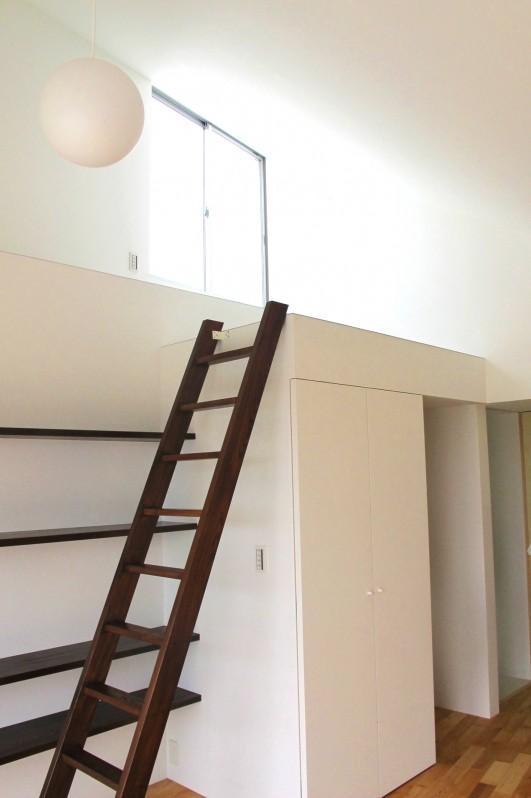 Kourien no ieの部屋 遊び心のある階段