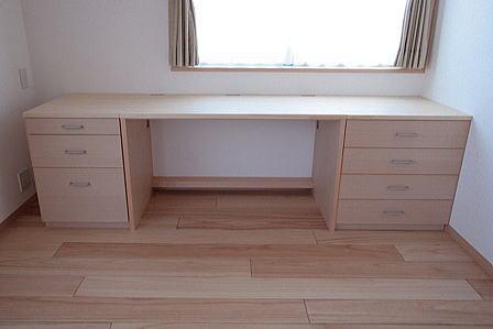 府中の家 (書斎の内装に合わせた置き家具)