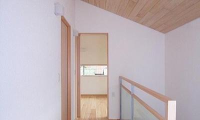 府中の家 (2階階段室(南面の寝室を望む))