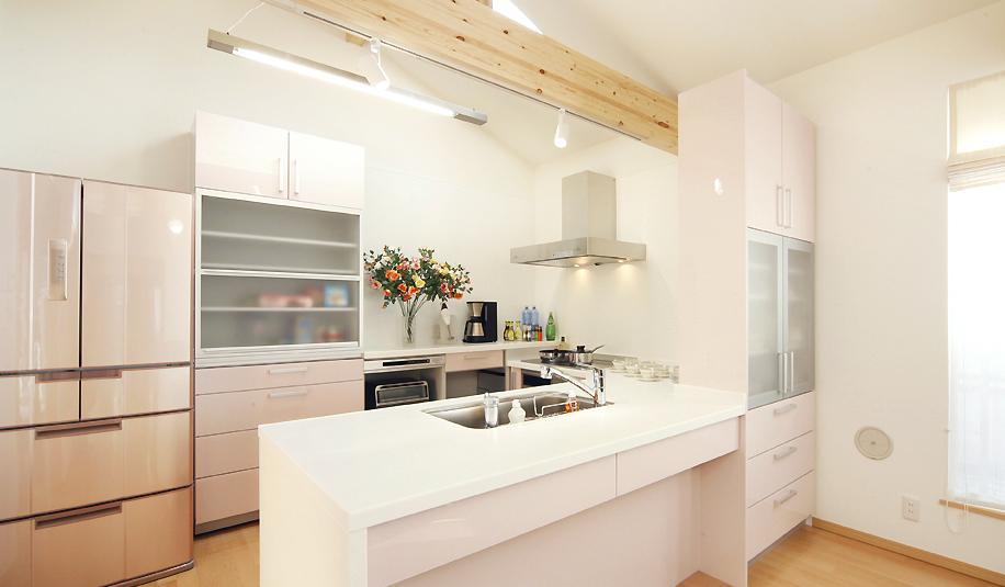 二人だけの空気だからこそ、解放空間で・・・の部屋 作業スペースが広いキッチン