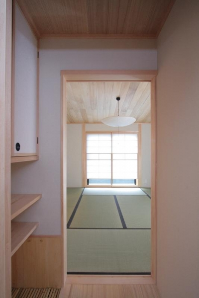 入口手前の水屋 (富士見台の家)