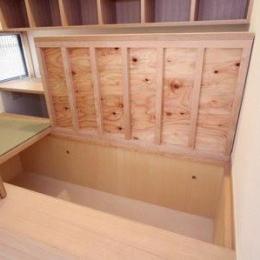関町北の家 (畳下収納)
