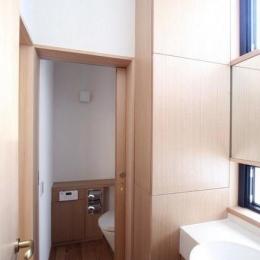 関町北の家 (洗面台・トイレ)