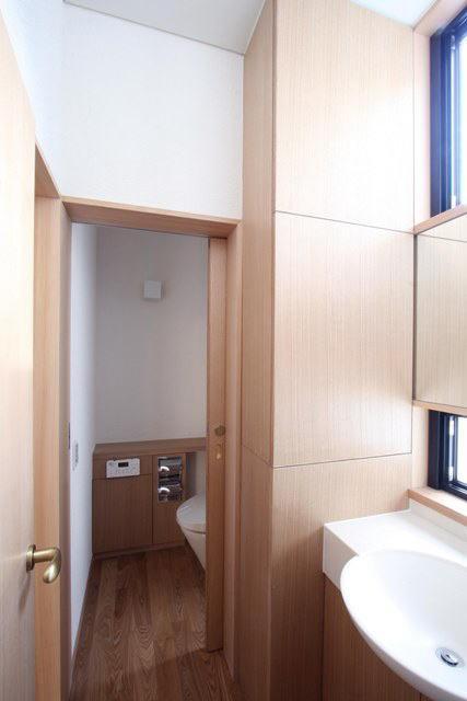 関町北の家の部屋 洗面台・トイレ